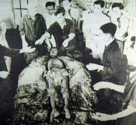 Khám phá kỳ lạ về những ngôi mộ vua chúa Việt Nam