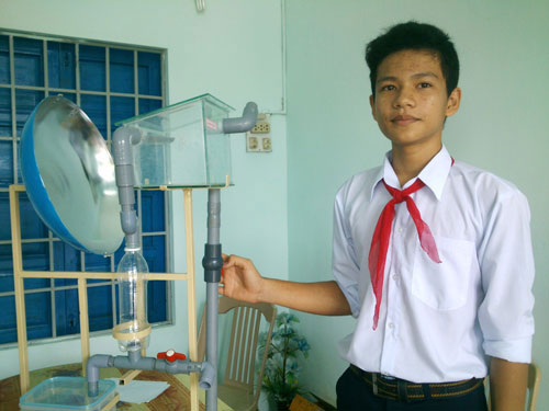 Học sinh lớp 8 chế tạo thiết bị biến nước biển thành nước ngọt